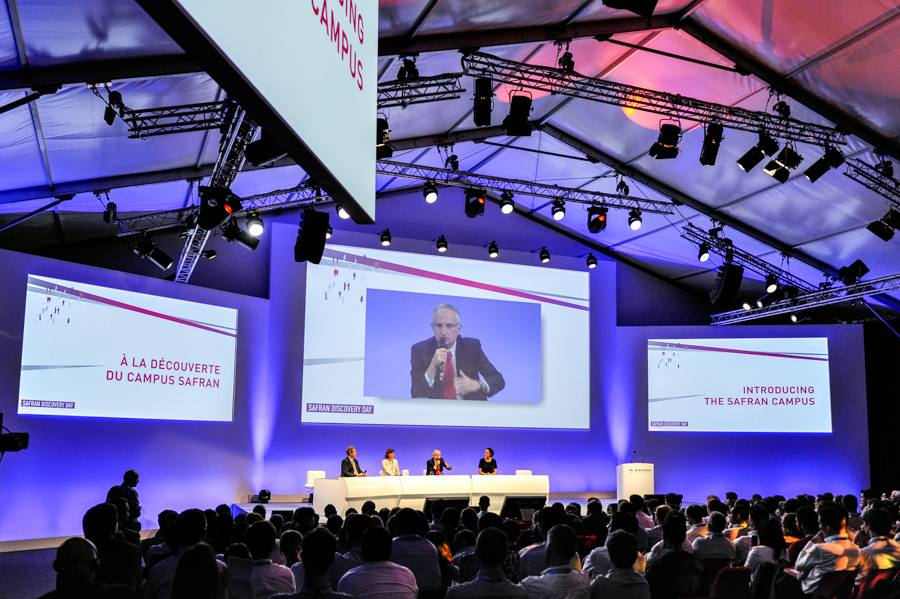 conférence lors d'un congrès de l'entreprise Safran